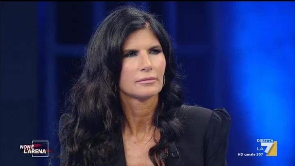 Tv, Rai1: Pamela Prati ritorna a Domenica In. Il cerchio si chiude?