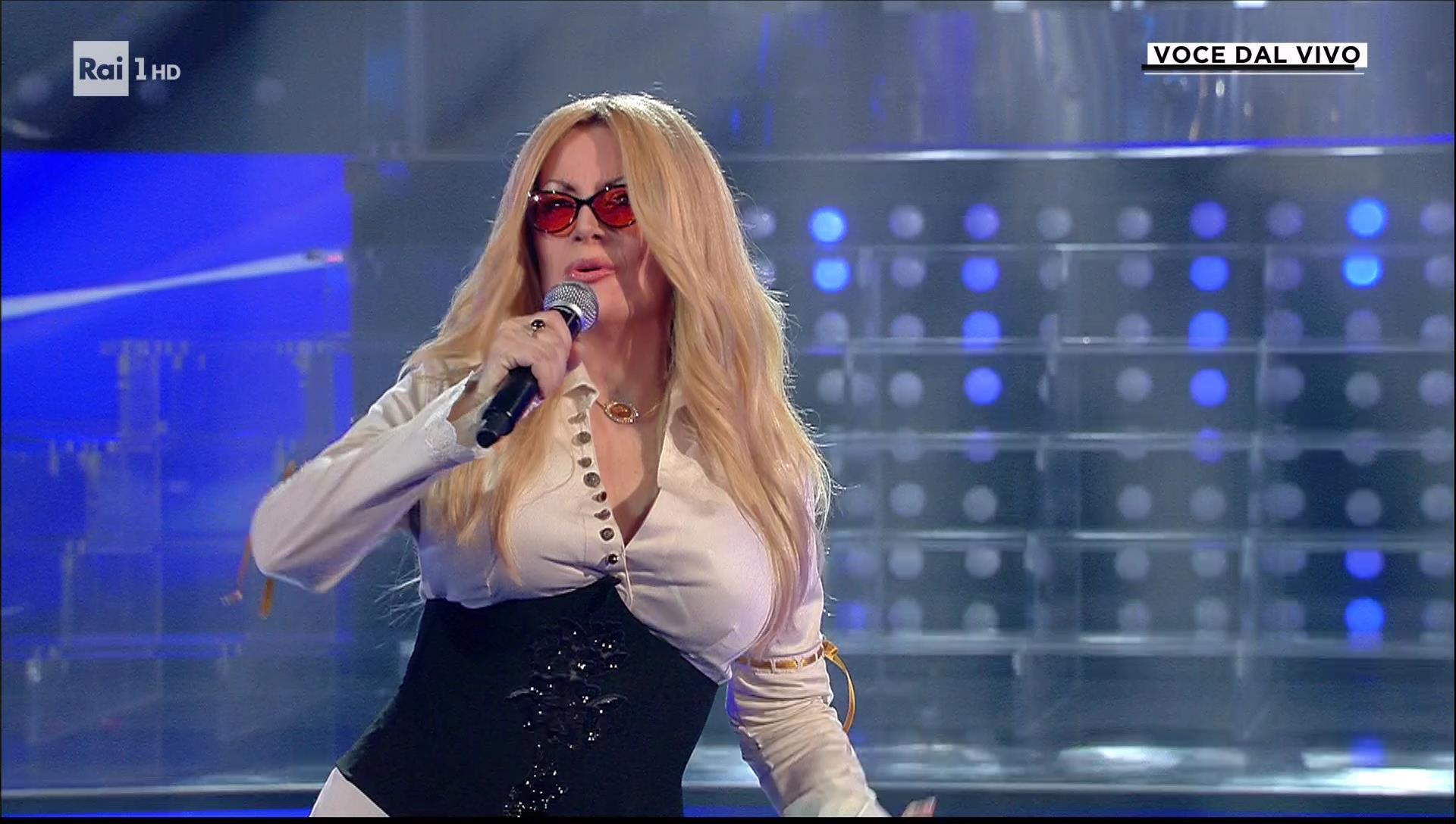 """Tale e Quale Show. Panariello chiede scusa ad Anastacia: """"Chiedo scusa, non sarà la prima e nemmeno l'ultima gaffe che farò"""" – IL VIDEO"""