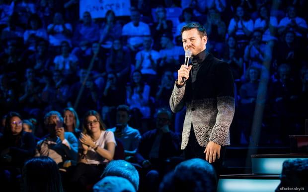 Alessandro Cattelan positivo al Covid, a rischio la sua presenza giovedì per la diretta di X Factor