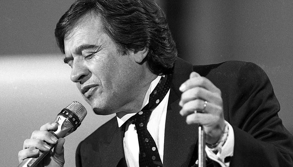 """Musica Italiana, News. È morto Fred Bongusto: si spegne a 84 anni il cantante di """"Una Rotonda sul Mare"""""""