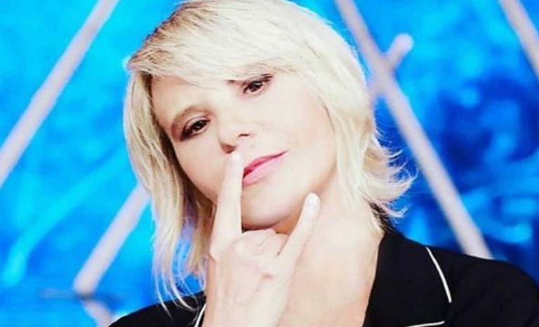 """TV, Mediaset. Maria De Filippi,su FQ Magazine, tra pubblico e privato: """"Ogni tanto mi alzo dal letto e dico """"Mollo tutto e scappo via, mi manca la leggerezza di fare delle cazzate"""""""