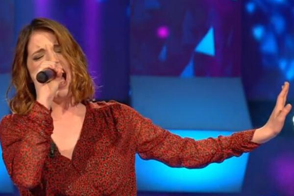 """TV, Musica. All Together Now, Arianna Cleri: da ragazzina prodigio di Io Canto ad """"artista"""" da 100"""
