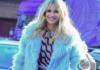 """Michelle Hunziker lancia """"Ciapet"""" feat. Alborosie con la direzione artistica di J-Ax: nel video anche il marito Tomaso Trussardi e le Veline"""