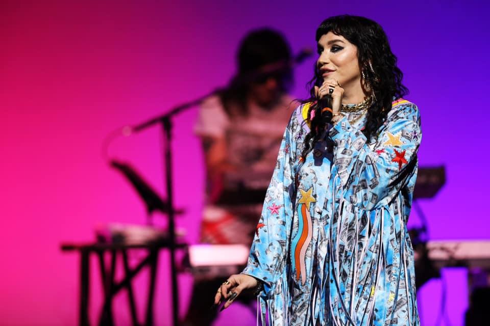 """Musica Internazionale, Nuove Uscite. Per Kesha arriva """"Resentment"""", ballad country-pop che racconta un amore sbagliato"""