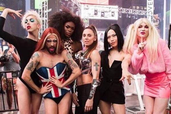 """Musica Internazionale, Nuove Uscite. Melanie C lancia ufficialmente """"High Heels"""": inno LGBT+ con le Sink The Pink"""