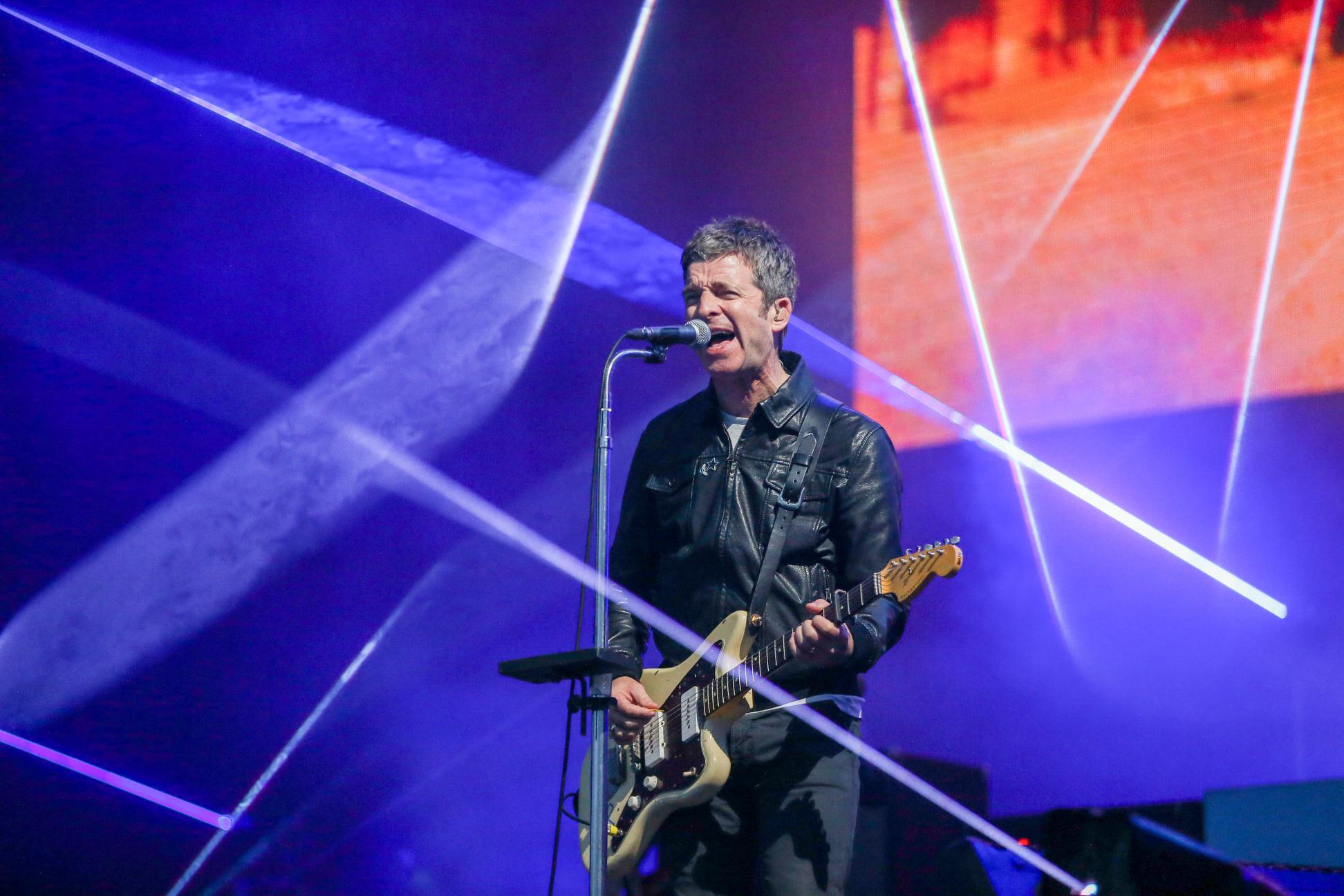 """Musica Internazionale, Nuove Uscite. Noel Gallagher lancia """"Wandering Star"""", singolo che 'suona' Oasis"""