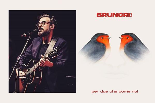"""Musica Italiana, Nuove Uscite. Brunori Sas canta l'amore duraturo con """"Per due che come noi"""": il nuovo intenso singolo"""