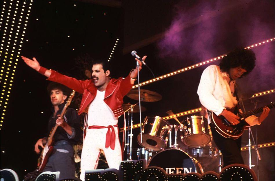 """Sanremo History, """"Le cinque indimenticabili"""". Queen, Madonna, Beatles: quando anche per i big internazionali Sanremo era un approdo immancabile"""
