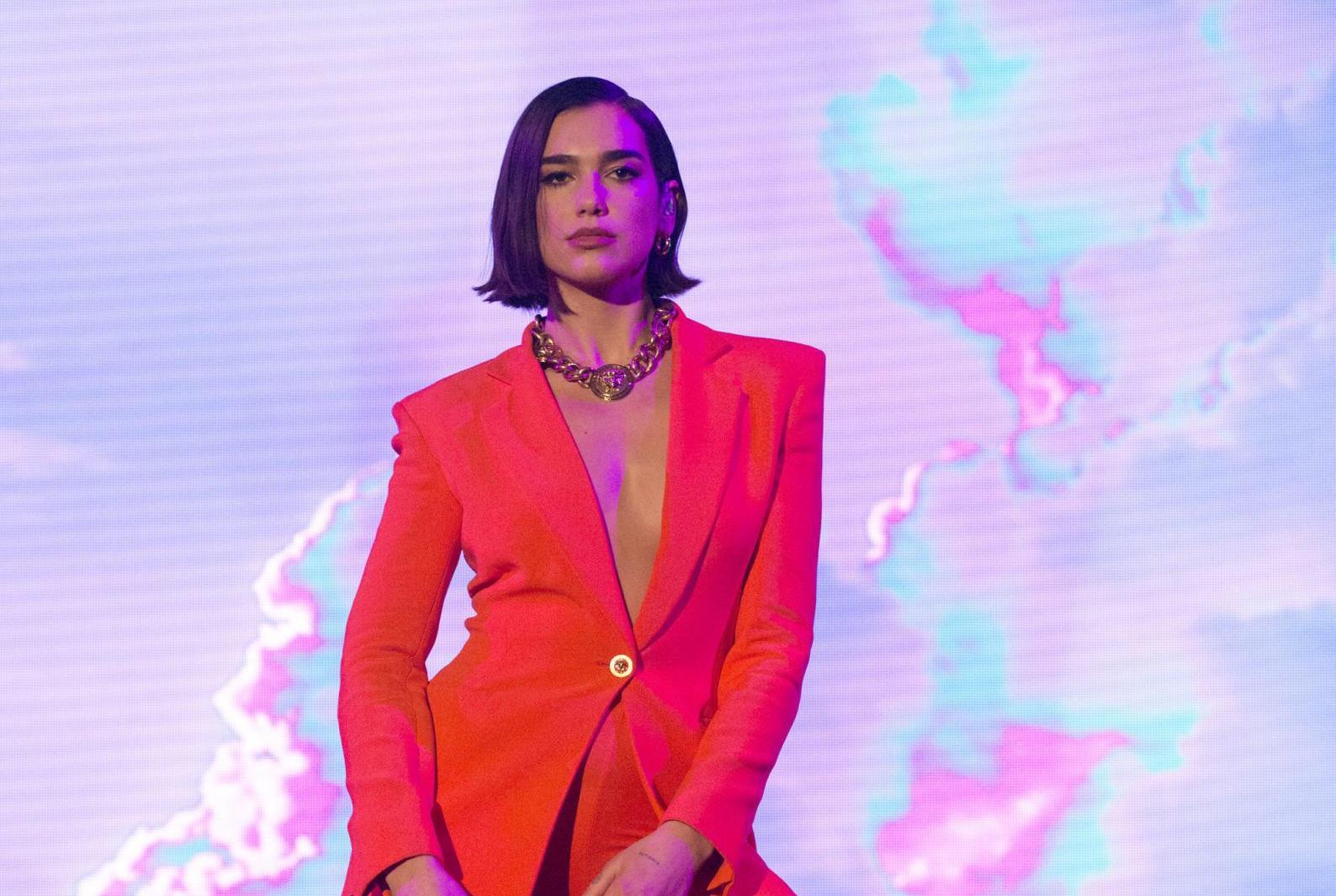 LIVE Sanremo 2020 in DIRETTA: 7 febbraio. Si proclama il vincitore dei Giovani! Votano i giornalisti, classifica stravolta nei big?