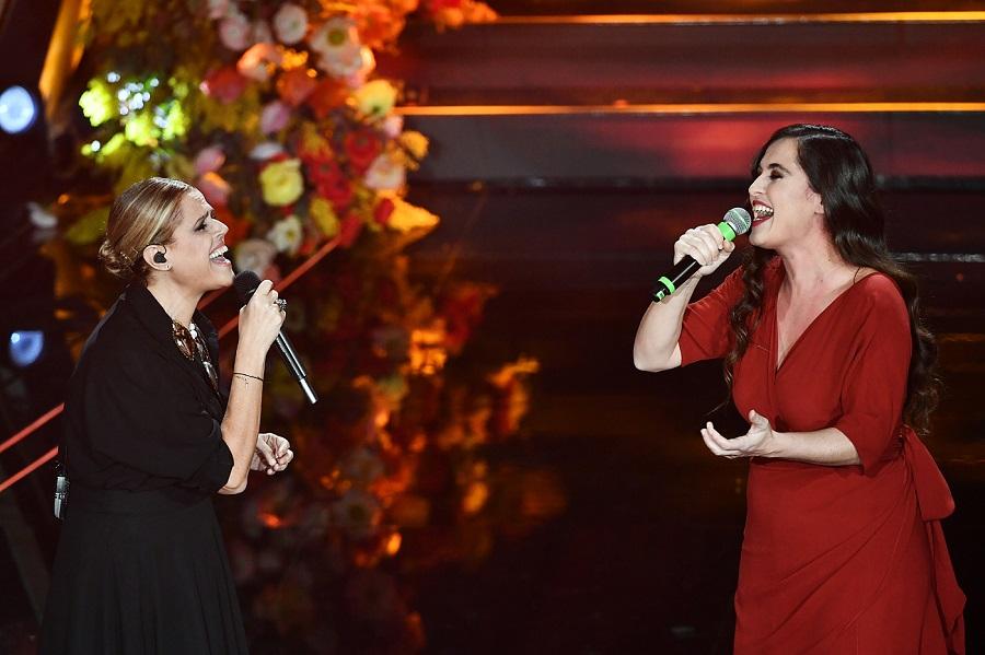 """VIDEO Tosca Sanremo 2020: """"Piazza grande"""" con Silvia Perez Cruz"""