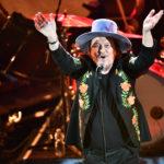 Zucchero incanta il Colosseo deserto, alla diretta di Earth Day Italia c'è anche lui con Bono Vox