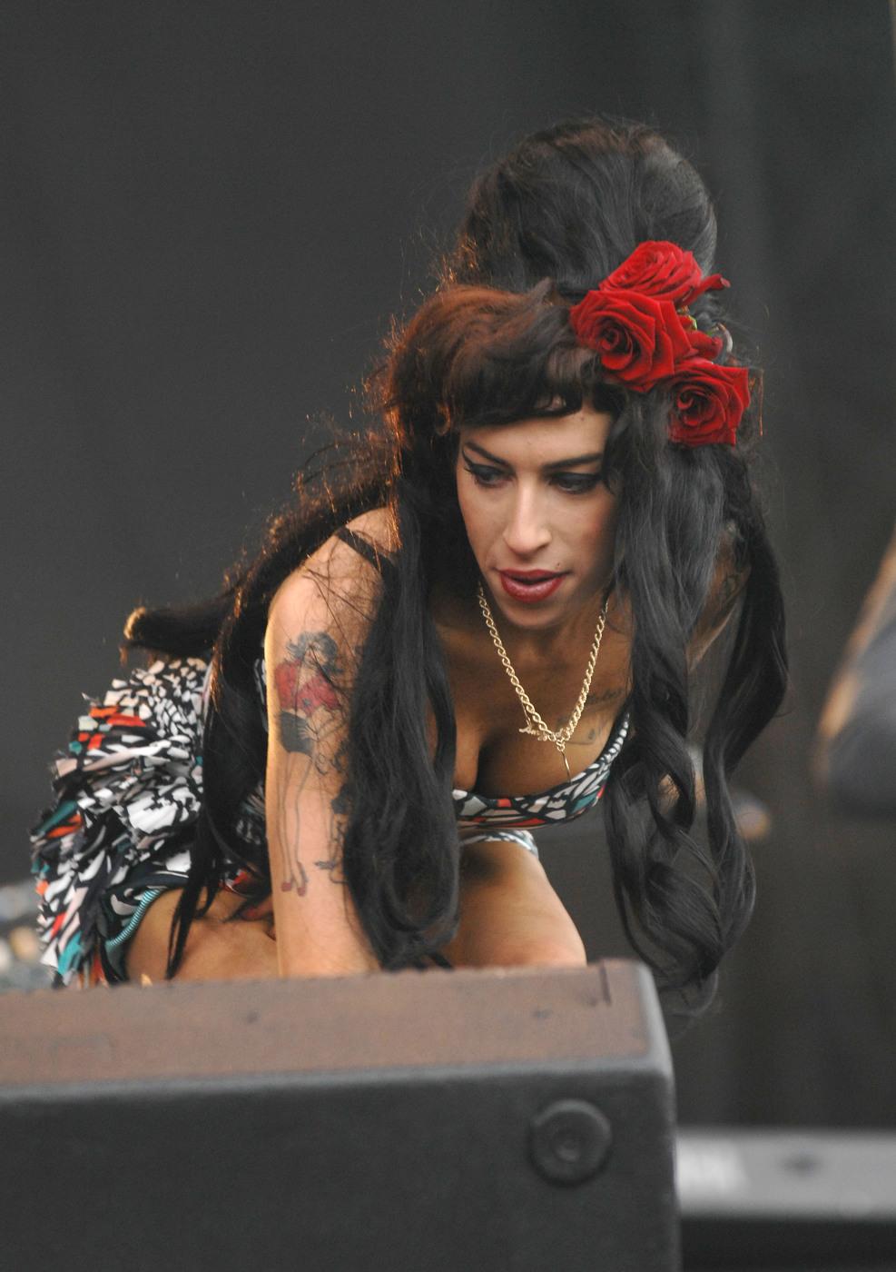 Amy Winehouse è diventata una stella della Walk of Fame di Londra