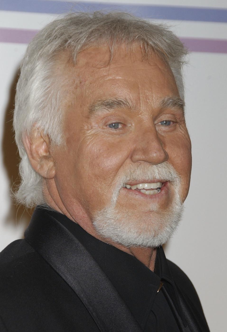 Si è spento a 81 anni Kenny Rogers, icona della musica country