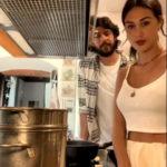"""QUARANTENA VIP CHEF. Cecilia Rodriguez e la carbonara: """"Con una fiamma molto media"""""""