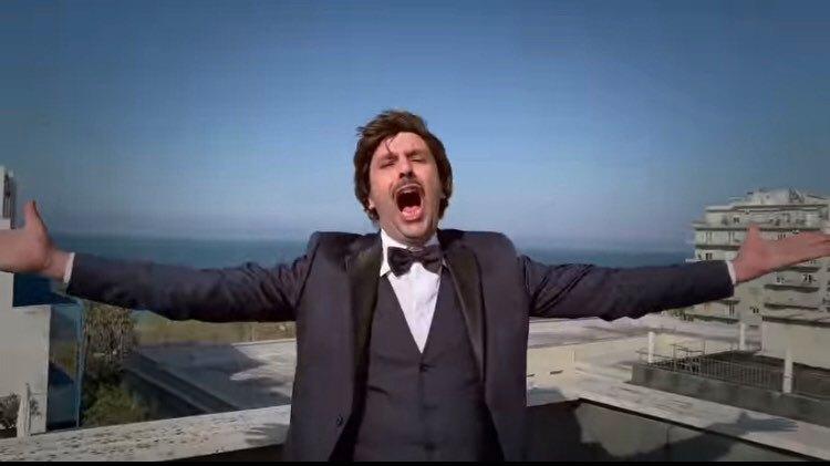 Indie Music Like, arriva Checco Zalone, lo spacca-classifica! Brunori Sas costretto ad abdicare