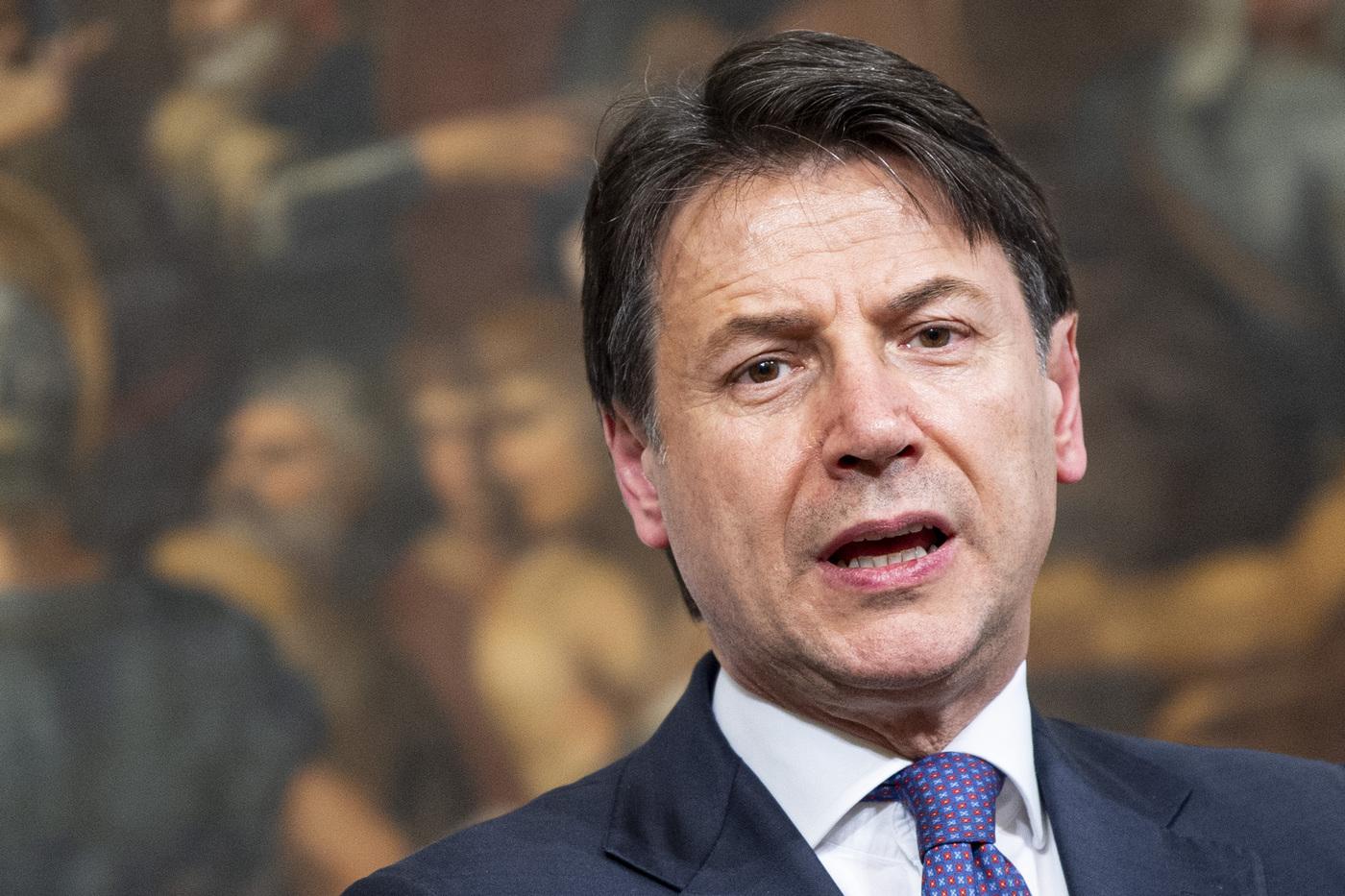 Conte ha fissato la dead-line per chiudere tutta l'Italia: lockdown totale dal 15 novembre se non si abbassa la curva dei contagi