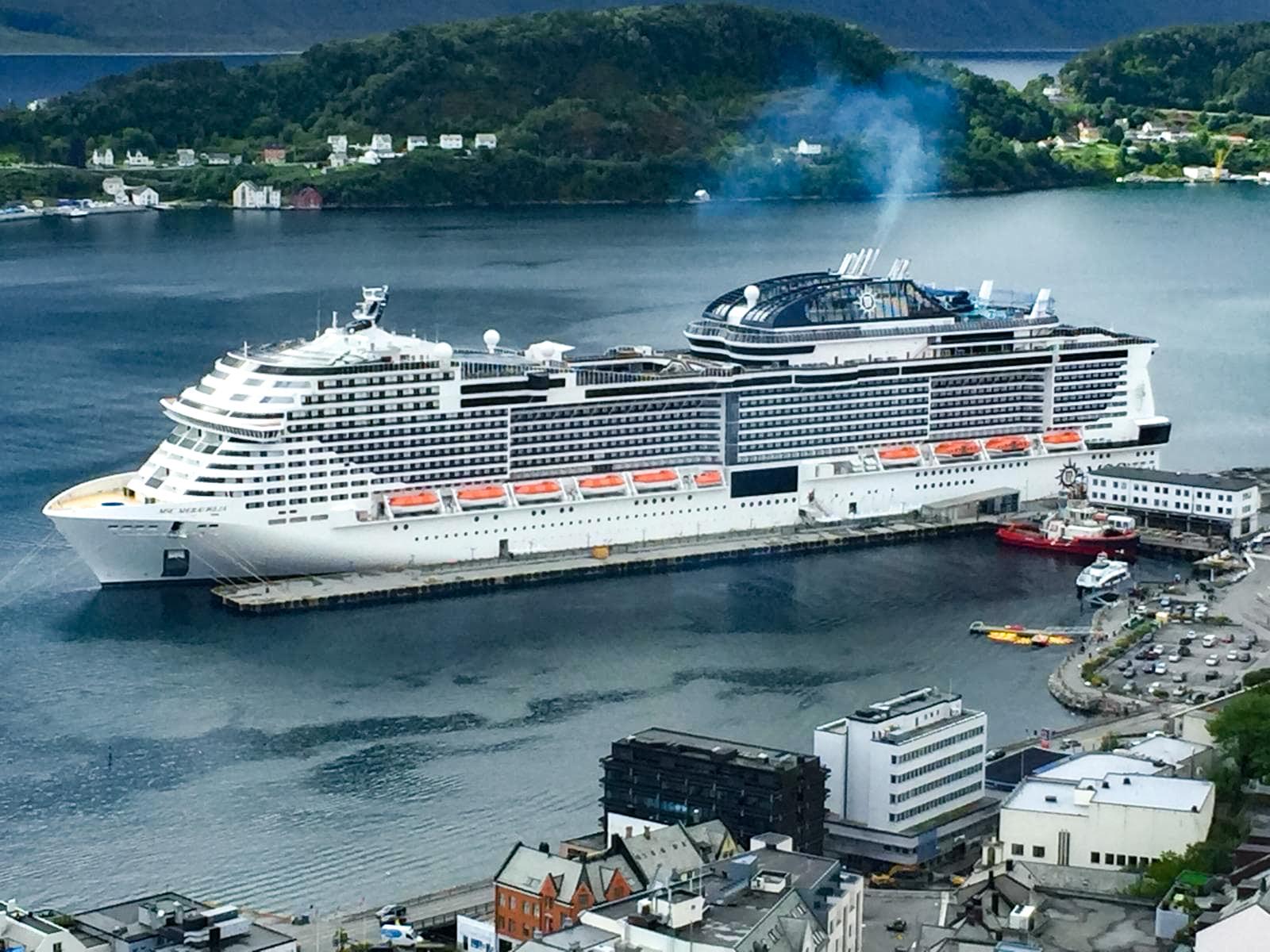 """""""Viaggio da una stanza"""", consigli dai lettori. Capo Nord e Isole Svalbard, con Silvia sul tetto d'Europa"""
