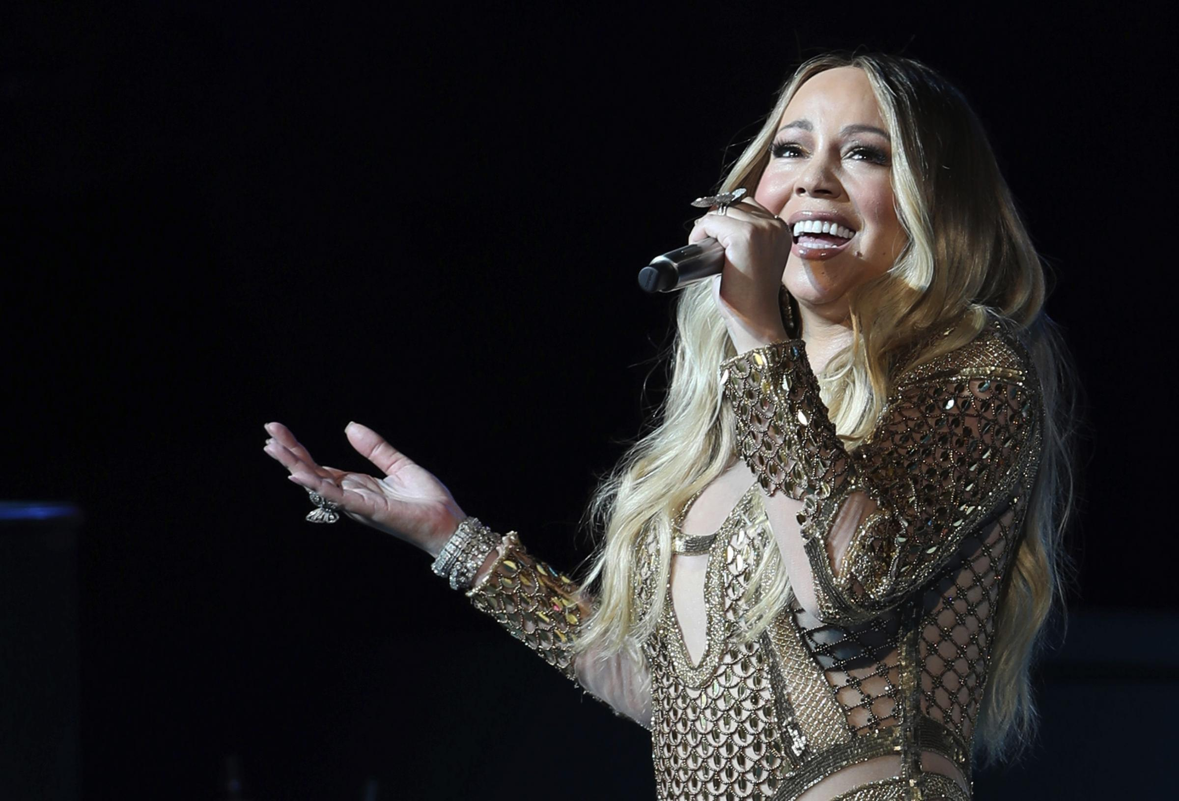 Mariah Carey onora gli eroi della sanità con la sua voce – VIDEO