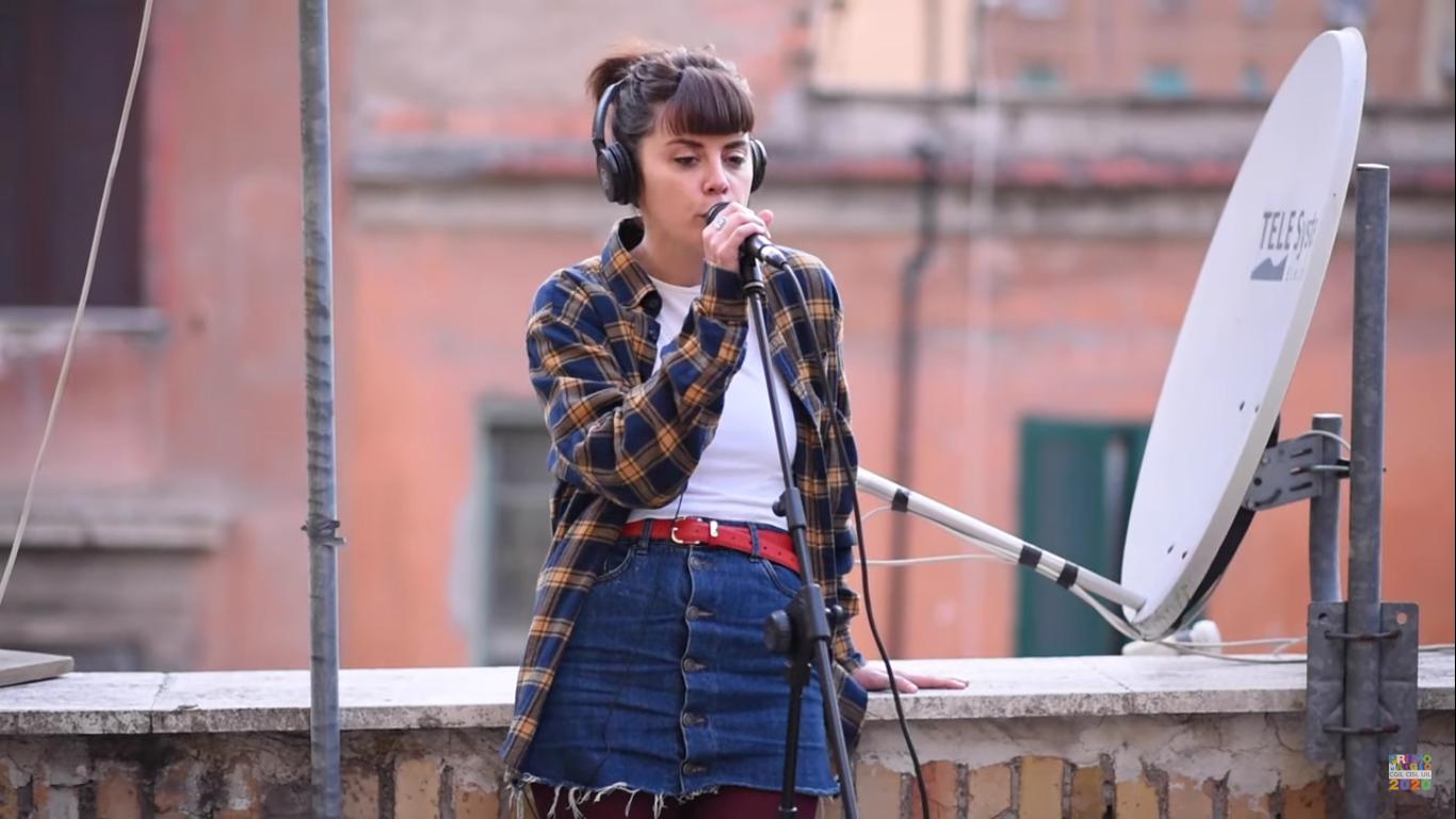 Lamine si prende il Primo Maggio Next con il suo alternative pop – VIDEO