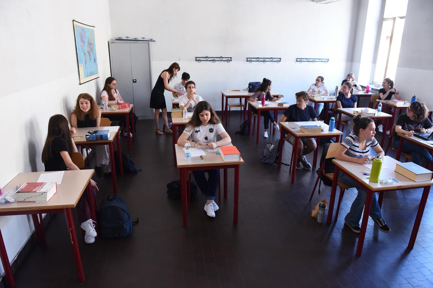 Mascherina ma solo fuori dall'aula e ore 'accorciate', a scuola una regione ripartirà così. E le altre regioni, seguiranno l'esempio?