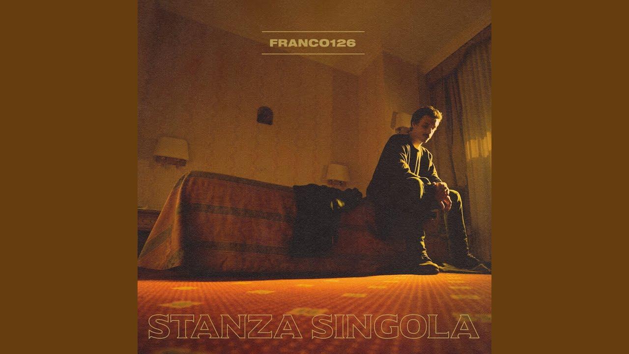 """Franco126, """"Stanza singola"""": dismessa la trap si passa a dell'ottimo indie pop"""
