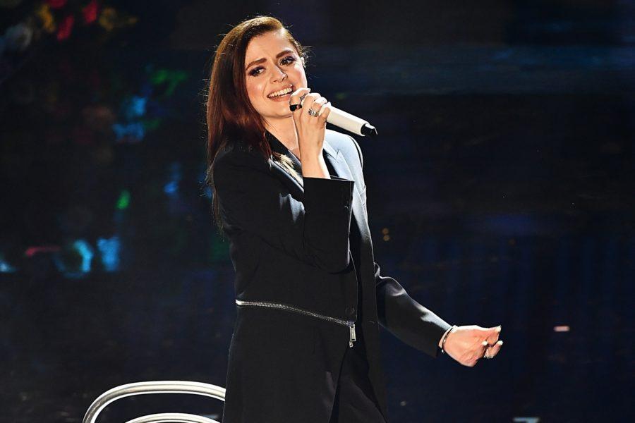 """Annalisa è uno """"Tsunami"""": arriva il terzo singolo estratto da """"Nuda"""" – VIDEO E TESTO"""