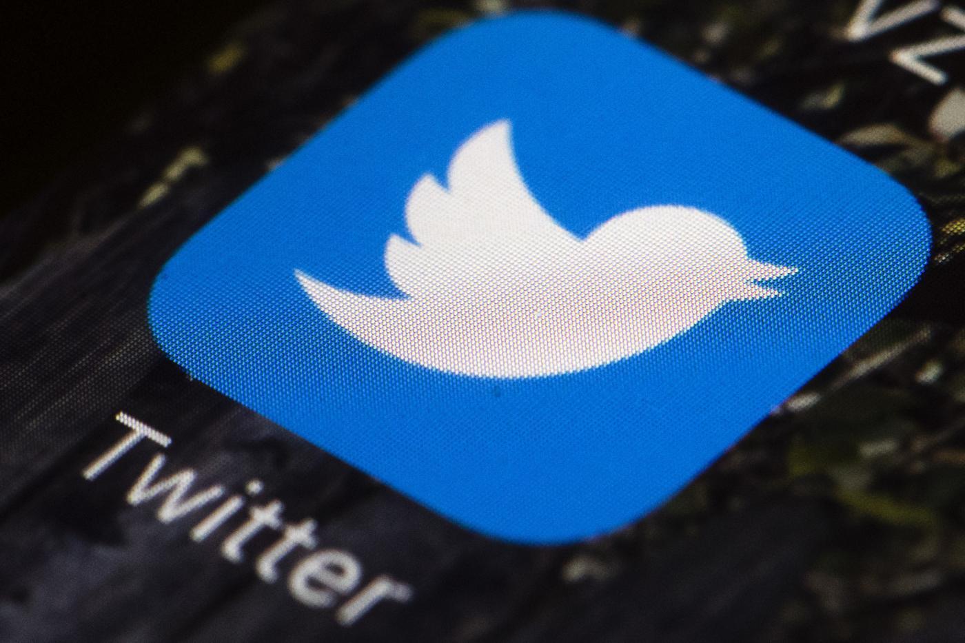 Twitter riprende Trump, lui attacca Twitter e Facebook dice la sua