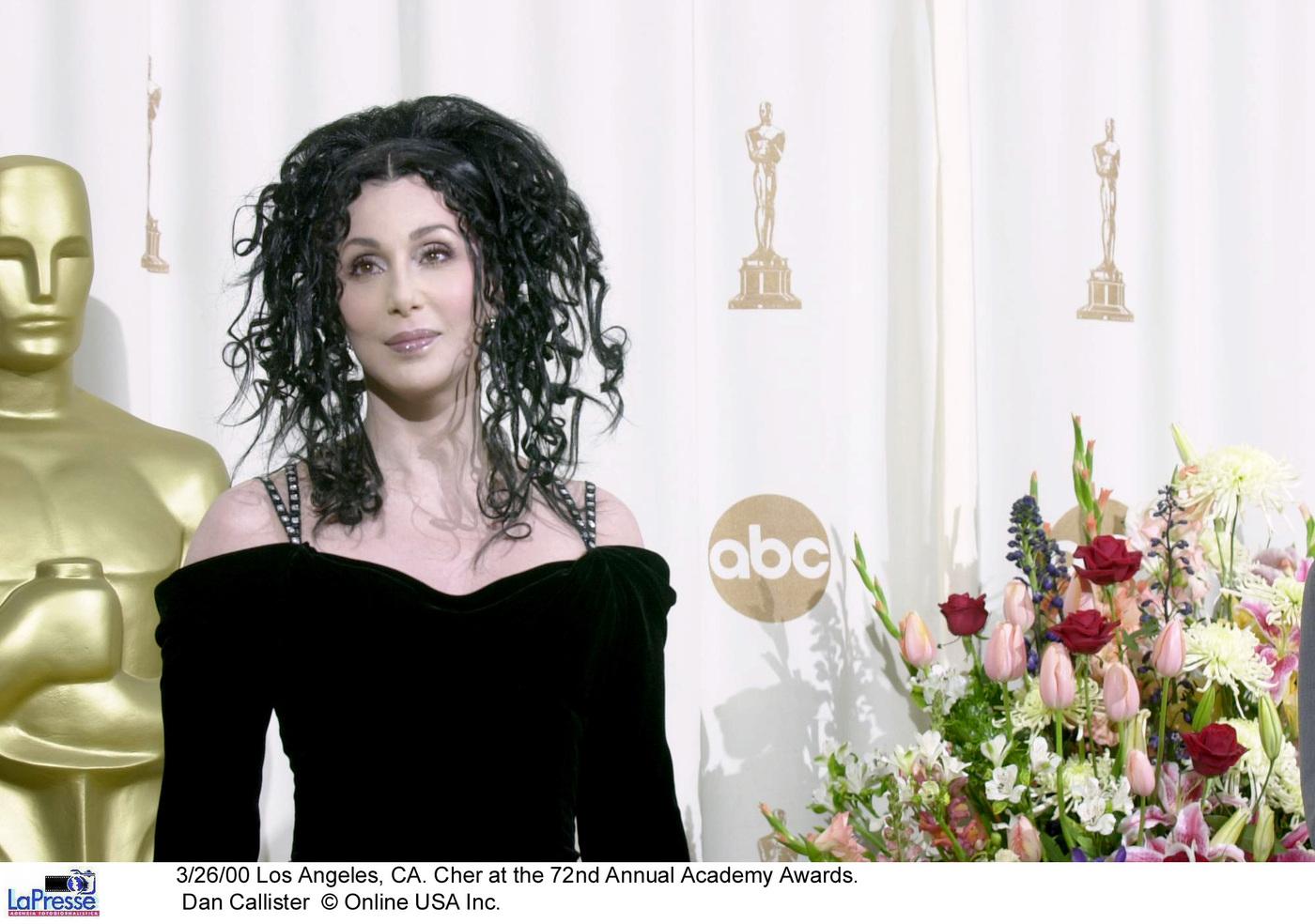 Cher canta per la prima volta in spagnolo a sostegno dell'Unicef