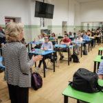 """Maturità 2020, Azzolina: """"Sarà un maxi orale in 5 fasi"""". Ecco le linee guida del decreto scuola"""