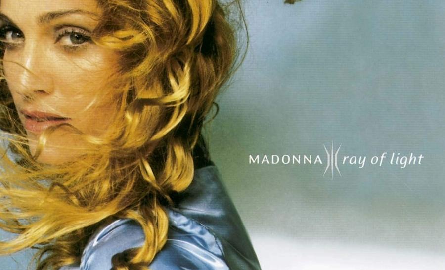 """""""Ray of light"""", il capolavoro 90's di Madonna"""