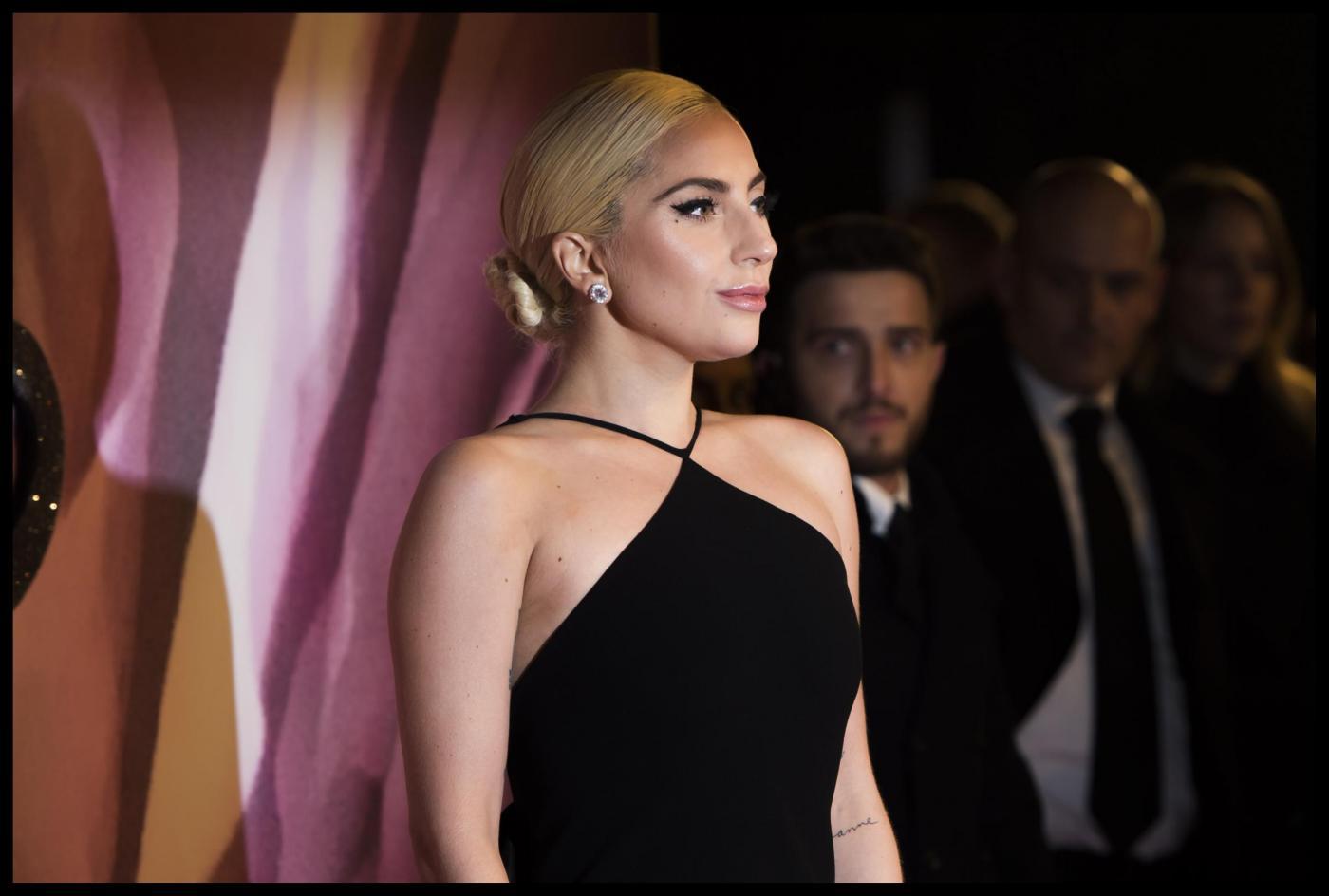 Hacker attaccano lo studio legale dei vip, tremano Madonna, De Niro e Lady Gaga