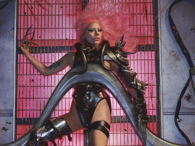 """iTunes Italia, la Top 10: """"Chromatica"""", debutto al primo posto per il nuovo disco di Lady Gaga"""