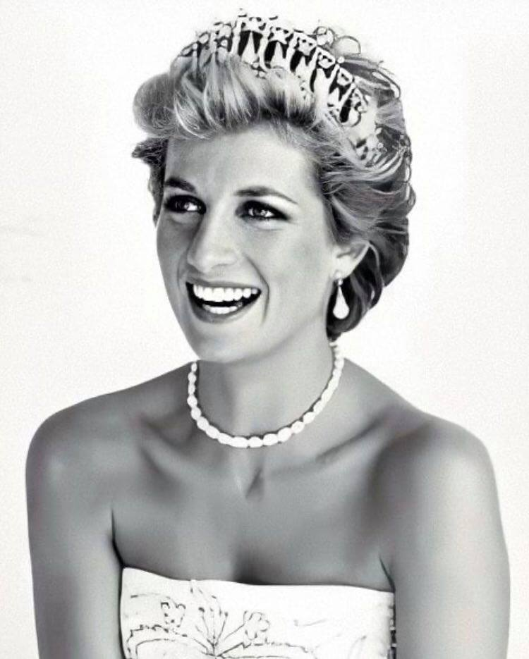 "Anonymous: ""Lady Diana è stata assassinata"""