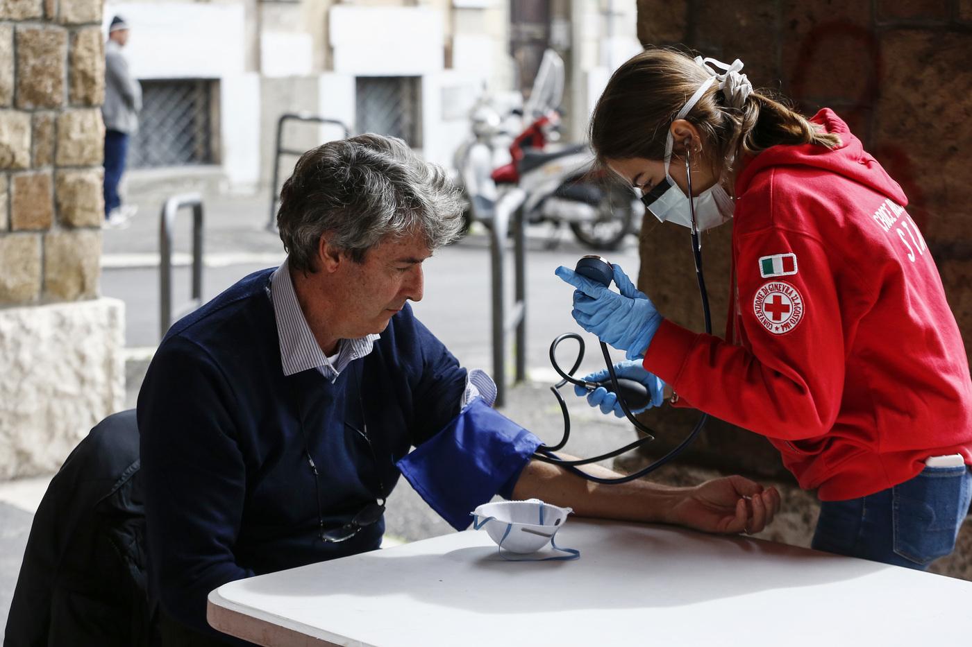 Covid meno mortale dell'influenza: in Giappone le analisi del sangue lo dimostrano