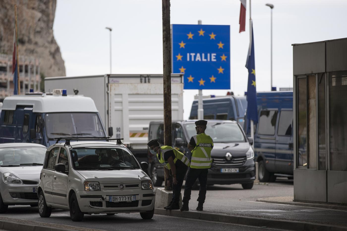 L'Italia chiude le frontiere a 17 paesi: ecco la 'lista nera' contenuta nel nuovo Dpcm firmato oggi