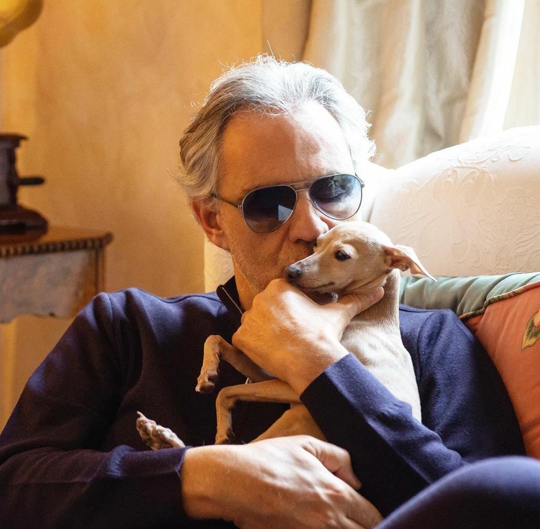 """Andrea Bocelli: """"Pallina, la mia cagnolina, portata via dal mare"""""""