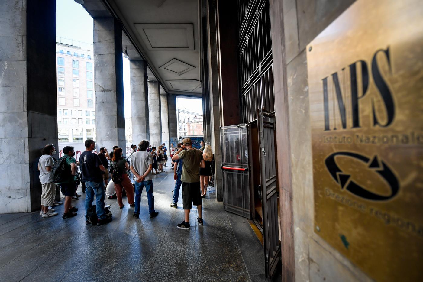 L'Italia che non va: i parlamentari che hanno richiesto il bonus di 600 euro