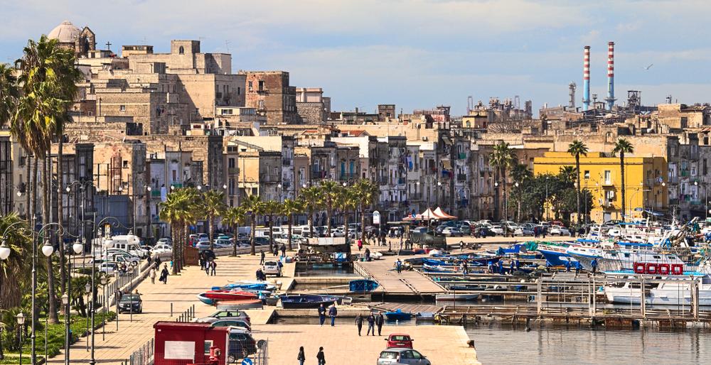 Taranto, case nel centro storico in vendita a un Euro