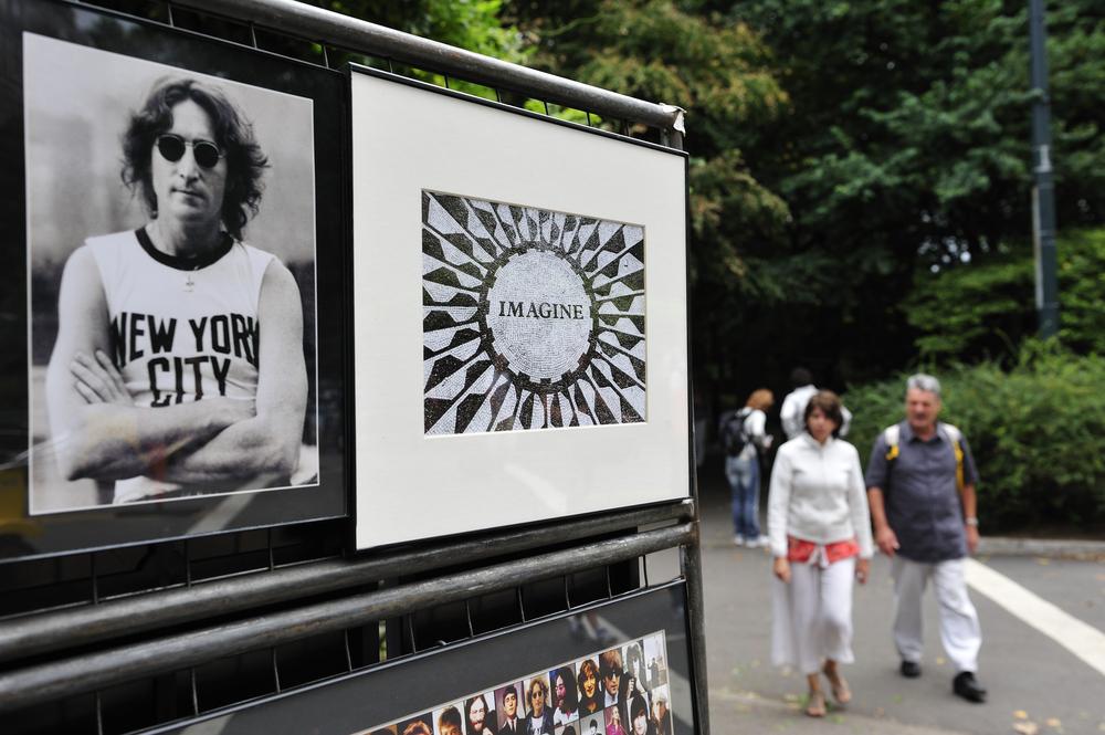 John Lennon, negata ancora una volta la libertà condizionata al suo assassino