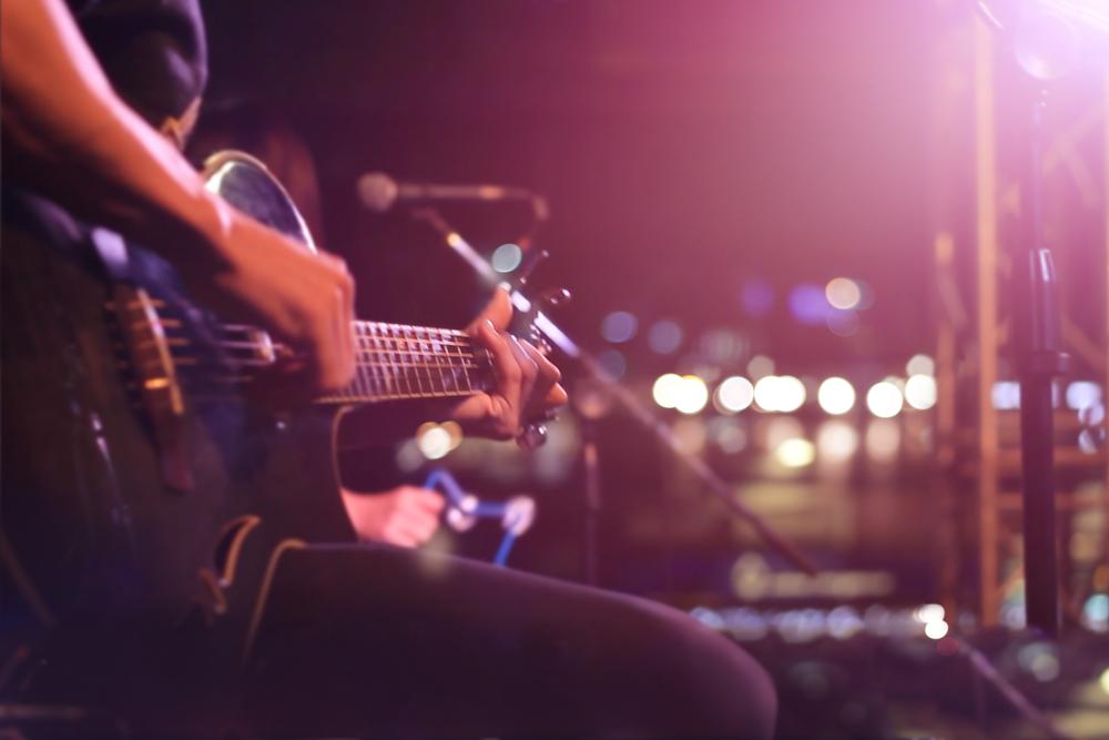 """SOS per il LIVE, appello di centinaia di artisti e operatori della musica, del teatro, del cinema e dello spettacolo: """"Interventi urgenti per la ripartenza"""""""
