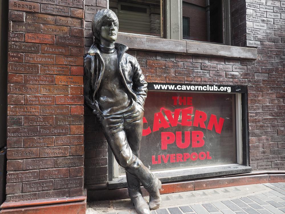 """Cavern Club, il locale che lanciò i """"Beatles"""" rischia la chiusura per il Coronavirus"""