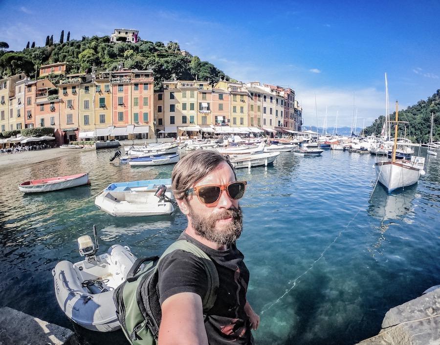 Maranello – Francia in Vespa, la Liguria on the road: Genova