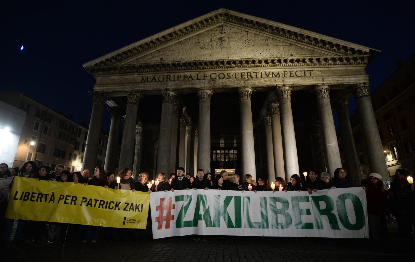 Un anno senza Patrick Zaki: le città italiane si riempiono di poster