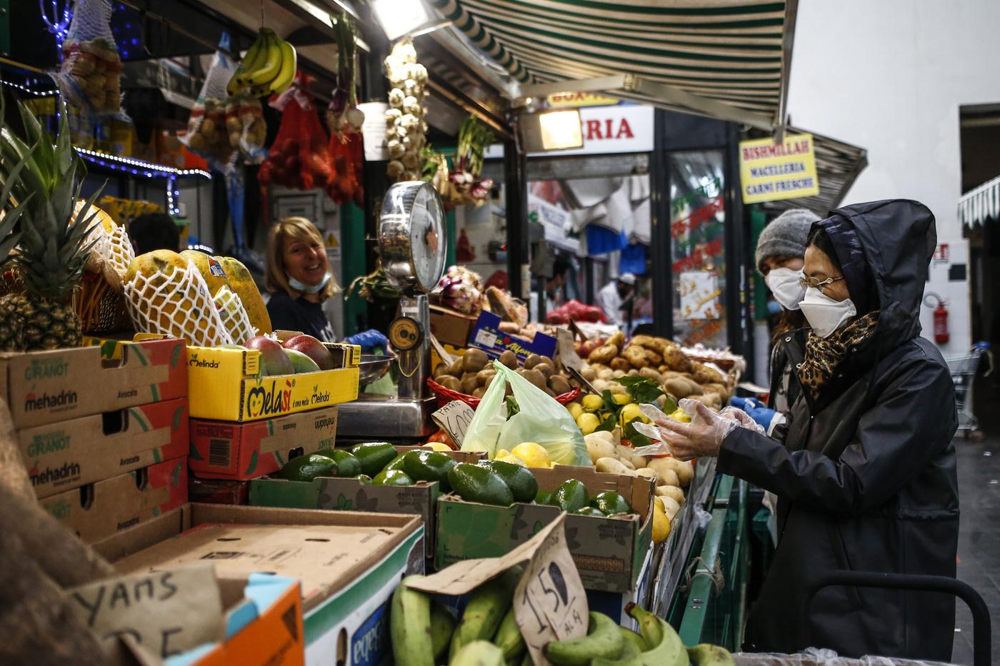 La spesa ai tempi della pandemia: il ritorno dei negozi di quartiere