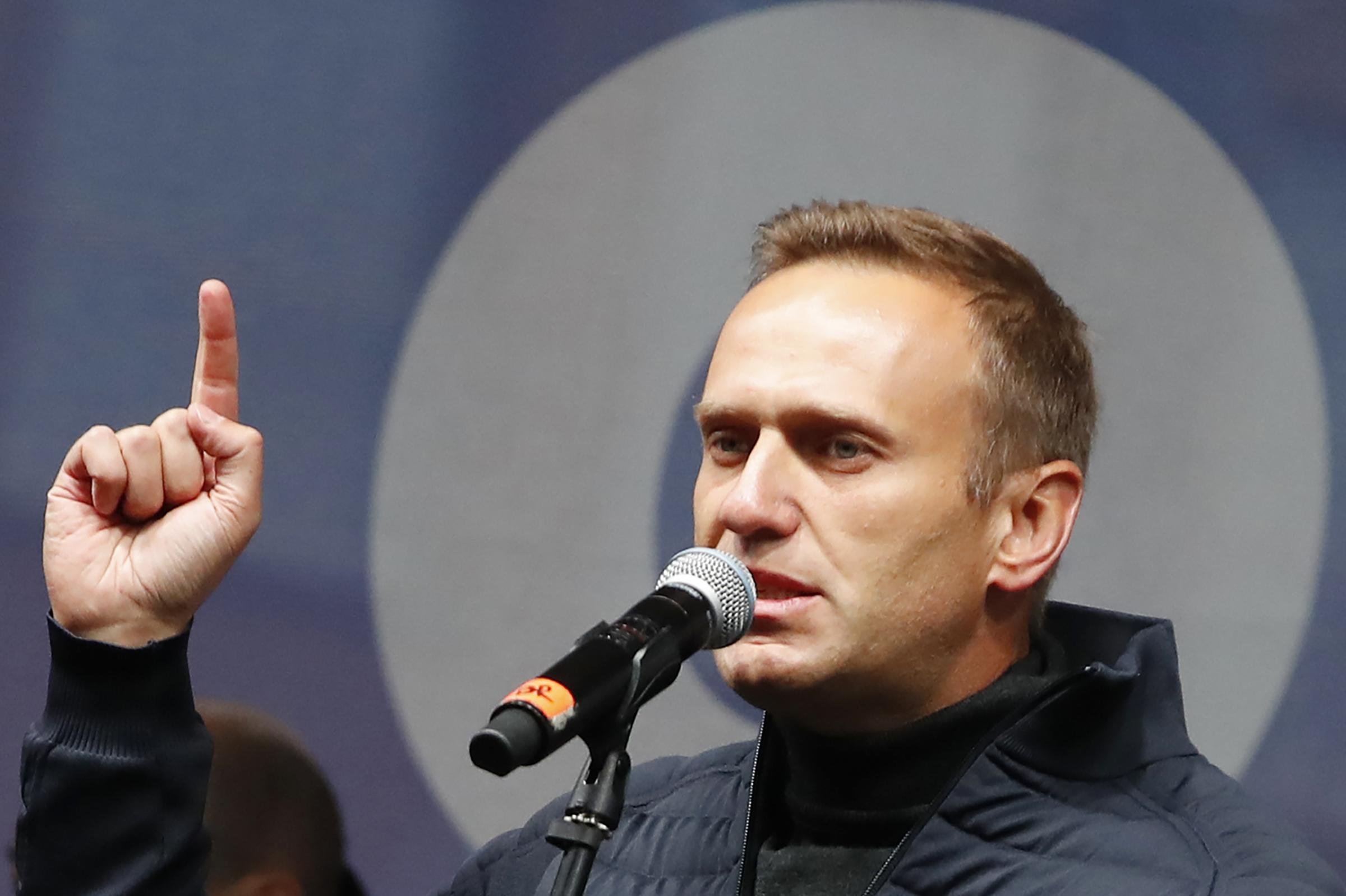 Caso Navalny: Alexei sta meglio. Attacco ai suoi sostenitori