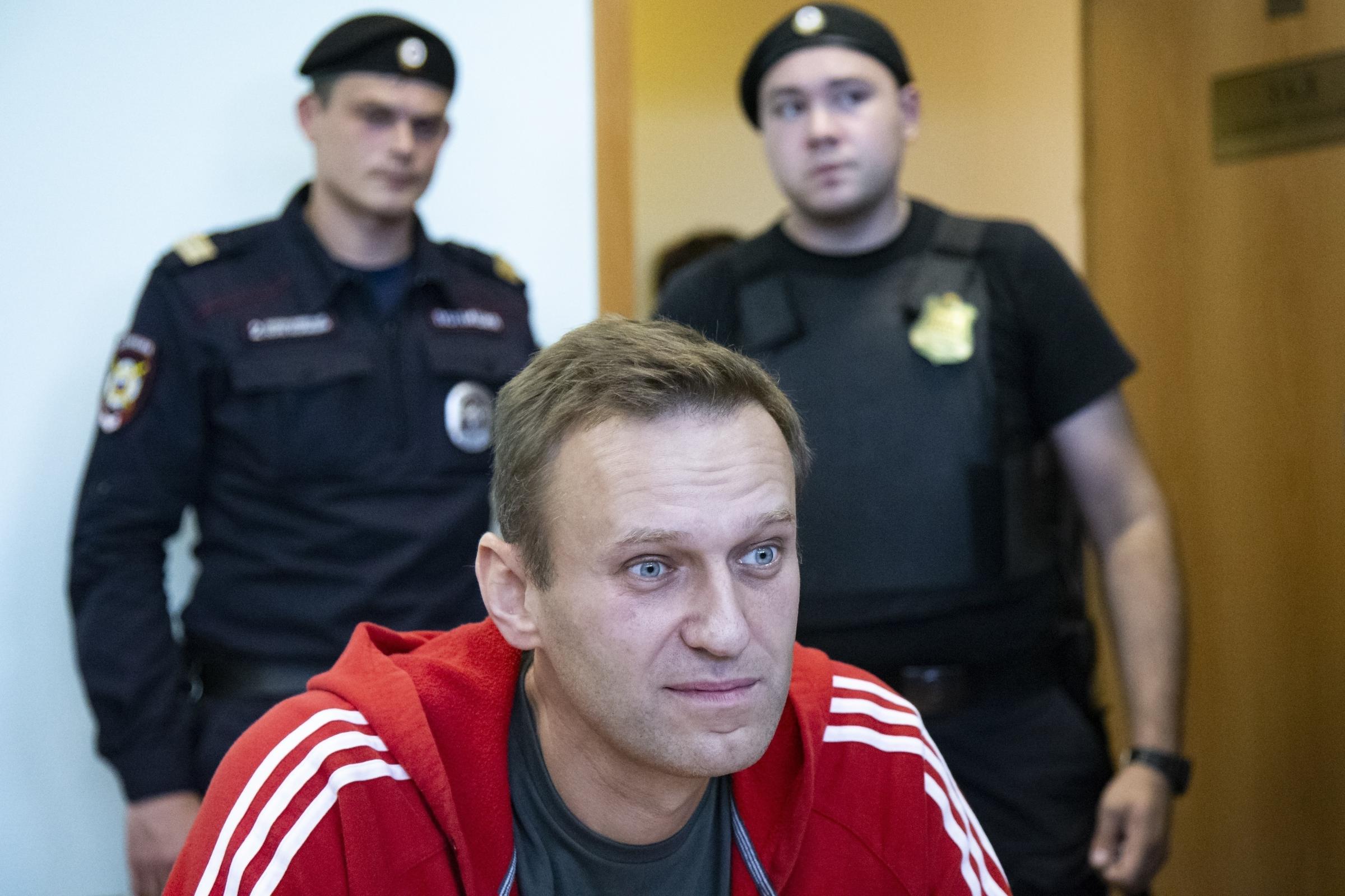 Caso Navalny: veleno trovato in una bottiglietta d'acqua dell'hotel