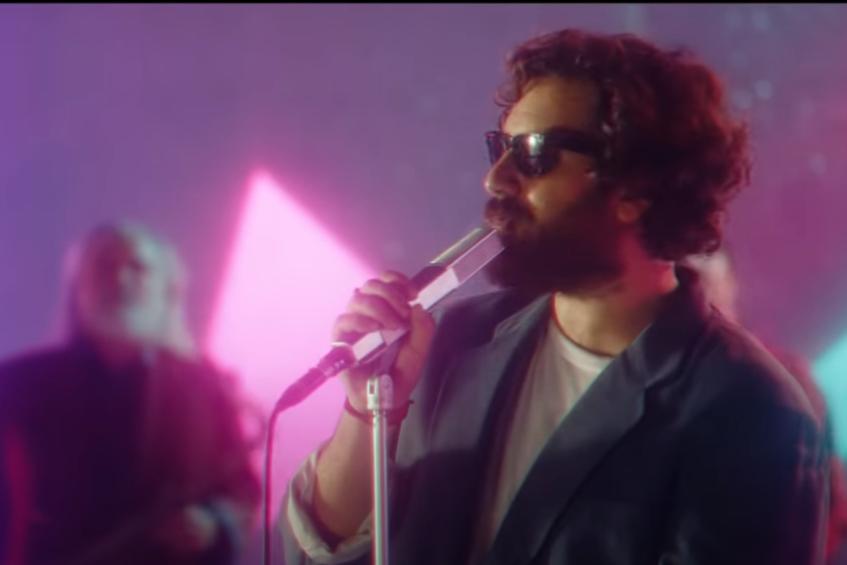 """Tommaso Paradiso, fuori il video di """"Ricordami"""" con la partecipazione di Andrea Delogu e Francesco Montanari"""