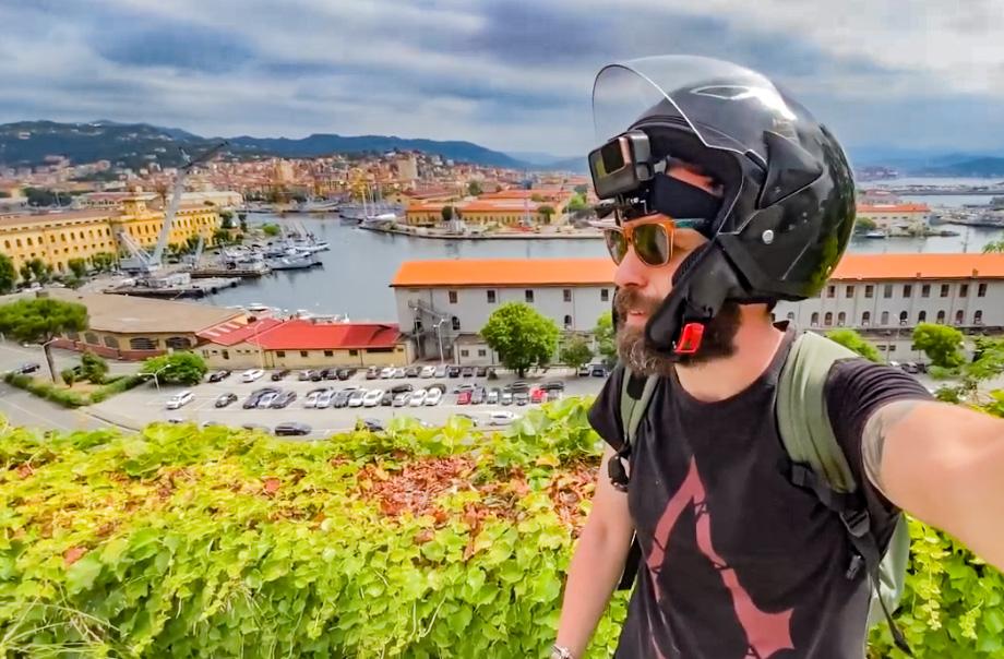 Italia in Vespa, Liguria on the road. Tour della Riviera di Levante sulla mitica due ruote