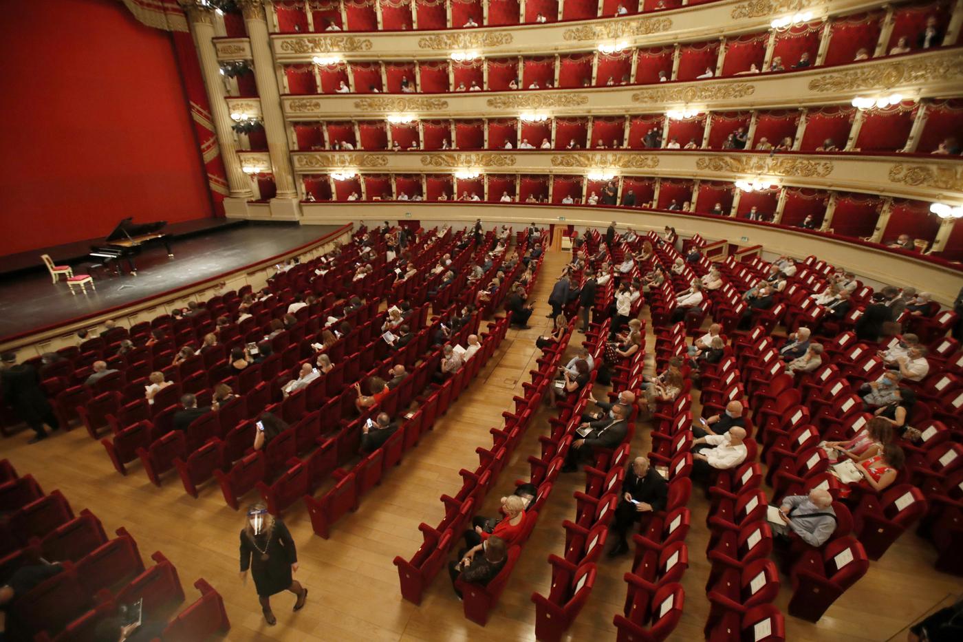 Emergenza Covid, il Teatro alla Scala rinvia la presentazione del cartellone 2020/2021
