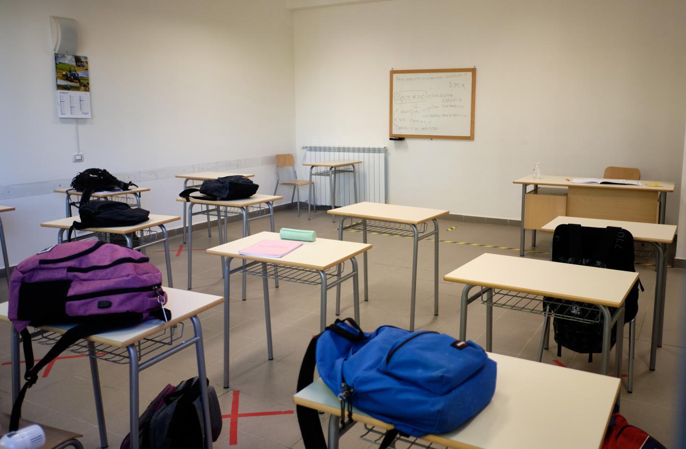 Scuola, da oggi scattano le misure del nuovo Dpcm: ecco cosa succederà